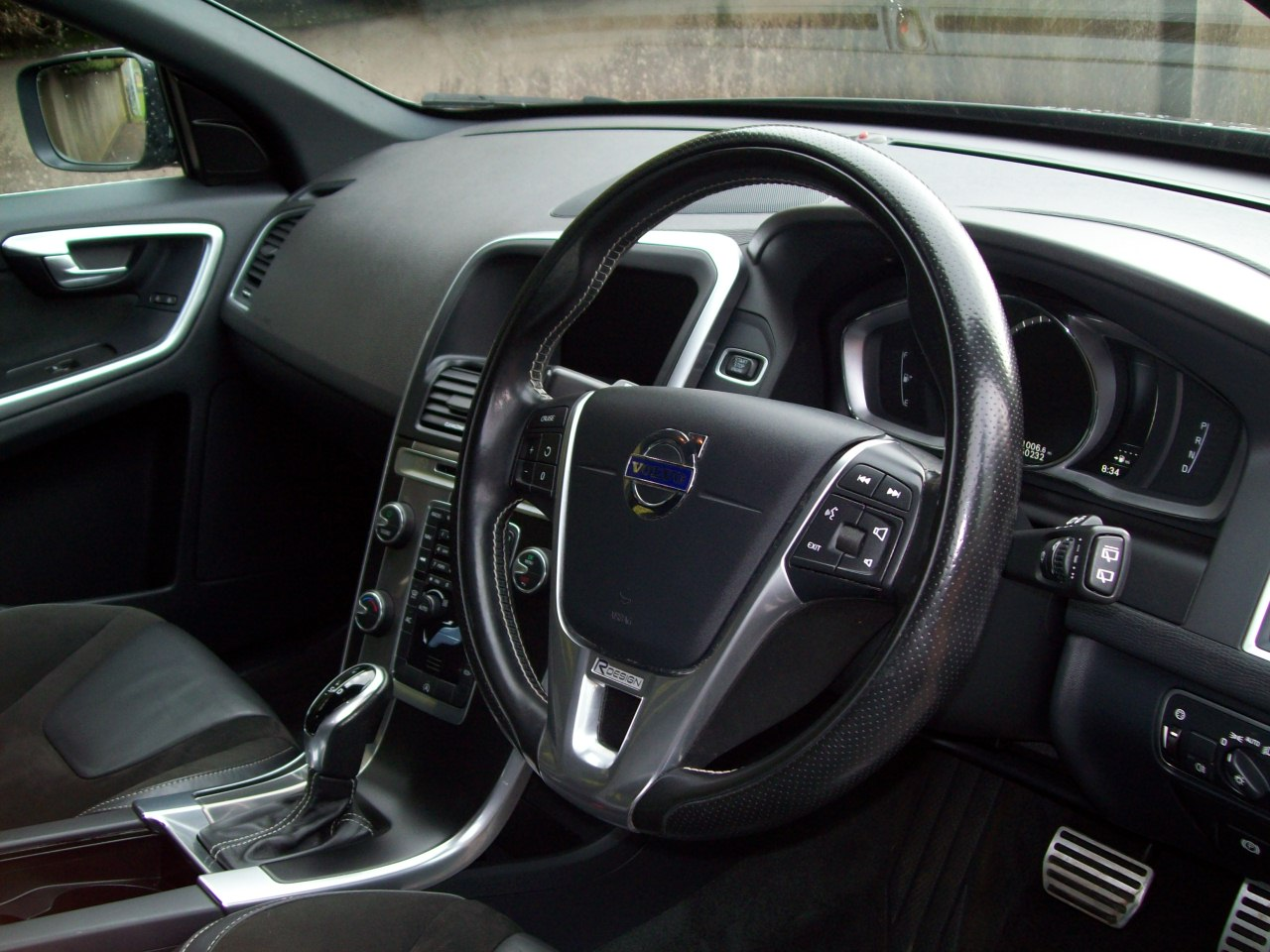 Volvo XC60 R-DESIGN NAV D4 AUTO