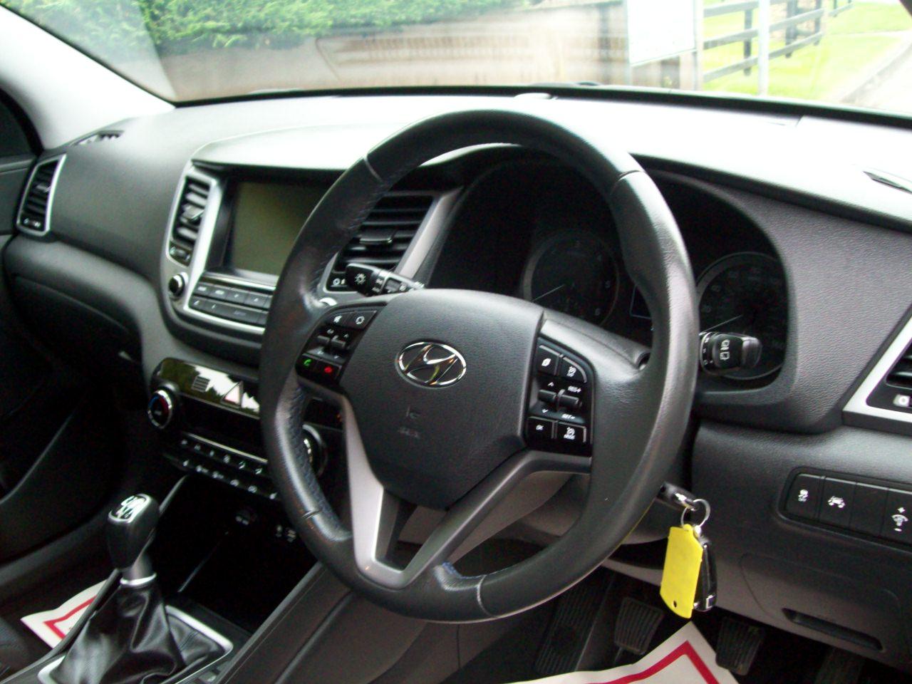 Hyundai TUCSON SE NAV B-DRIVE 2WD CRDI