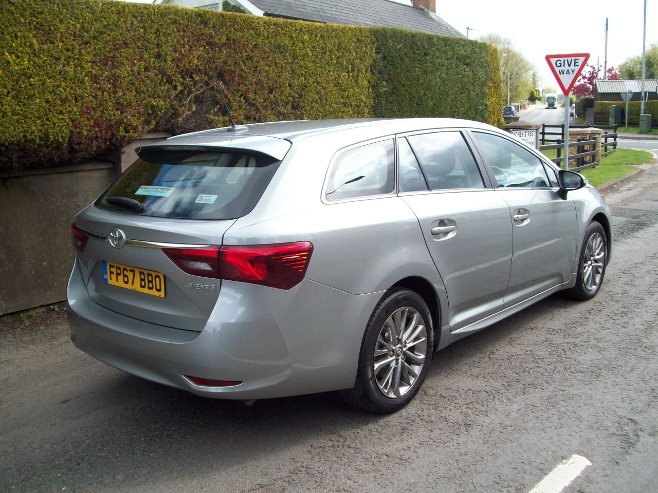Toyota AVENSIS BUSINESS EDITION D-4D