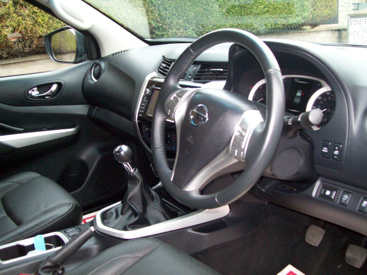 Nissan NAVARA TEKNA DCI